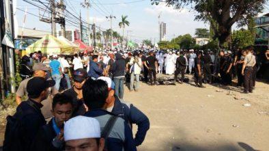 5 Polisi Terluka, Demo Tolak Pembangunan Gereja di Bekasi Ricuh