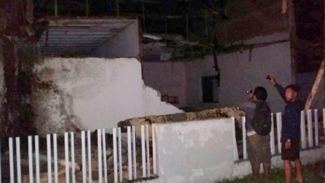 Bangunan Rusak Akibat Gempa Beruntun di Sulawesi Tengah