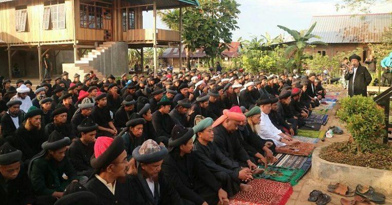 Jemaah di Sulawesi Selatan ini Gelar Salat Idul Fitri Hari ini