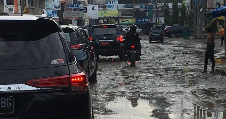 Walkot Medan Digertak Jokowi: Benahi Jalan atau Saya Duluan Kerjakan!