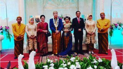 Tamu Undangan Dibuat Kaget, Jokowi-Iriana Hadiri Pernikahan Sopirnya