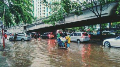 Warga Tebet: Zaman Ahok Tak Sampai Masuk ke Rumah, Ganti Gubernur Malah Jadi Banjir