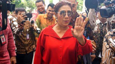 Menteri Susi Temui Massa Nelayan Cantrang di Monas, Lalu Berorasi Diatas Mobil Komando