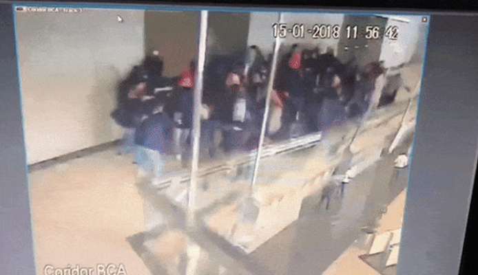 Video Detik-detik Robohnya Balkon Gedung BEI yang Terekam CCTV