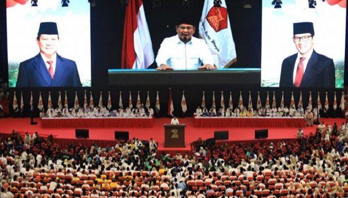 Prabowo Akui Kalau Dirinya Memang Tidak Pantas Jadi Imam Salat