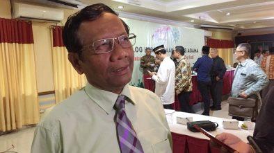 Mahfud MD: Secara Etika, Puisi Fadli Zon Penghinaan pada Mbah Moen