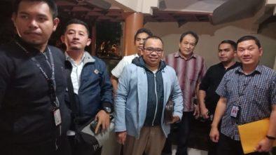 Mustofa Nahrawardaya @AkunTofa Dijemput Penyidik Bareskrim di Rumahnya