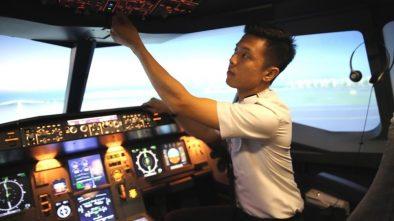 Pilot Vincent Raditya Dicabut Lisensinya Kini Jalan-jalan Naik BMW i8