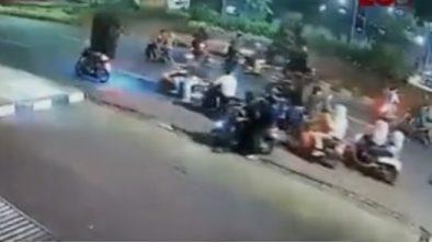 Video Detik-detik Seorang Remaja Tewas Diserang Geng Motor Saat SOTR di Setiabudi Jaksel