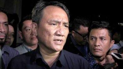 Andi Arief Minta Sandiaga Uno Bantu Setop Serangan Buzzer ke PD dan SBY