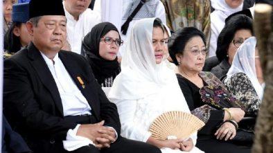 Demokrat Ucapkan Terima Kasih Kepada Megawati yang Hadir di Pemakaman Ani Yudhoyono