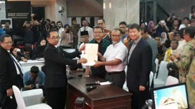 Imbauan Jokowi Pakai Baju Putih ke TPS Termasuk Dalam Salah Satu Gugatan Prabowo ke MK