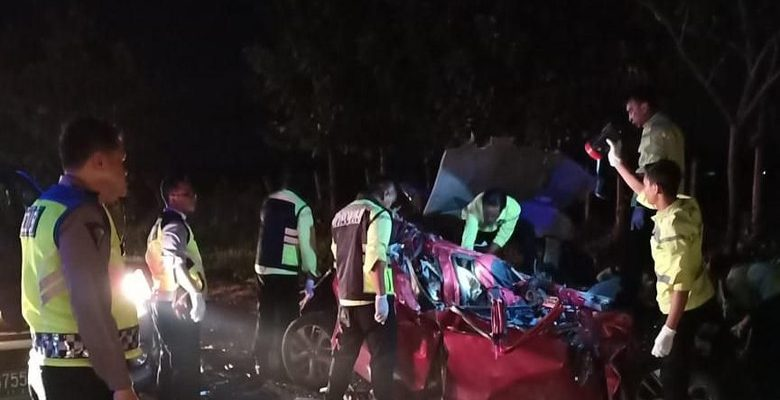 Kronologis Penyerangan Bus Safari Lux Berujung Kecelakan Maut di Tol Cipali