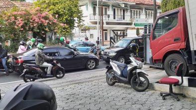 Polisi Sebut Emosi, Pemobil Koboi Todong senpi karena Merasa Benar
