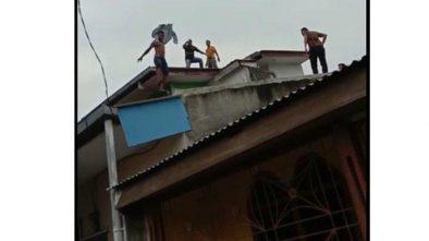 Video Pengedar Narkoba Kabur Lewat Atap Rumah Warga Sekitar Heboh