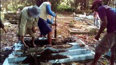 Viral Caleg Gagal Partai Gerinda Suruh Bongkar 4 Makam dari Tanahnya