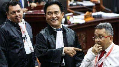 Jokowi Berikan THR PNS Lebih Awal, Yusril Singgung Janji Prabowo saat Debat Capres